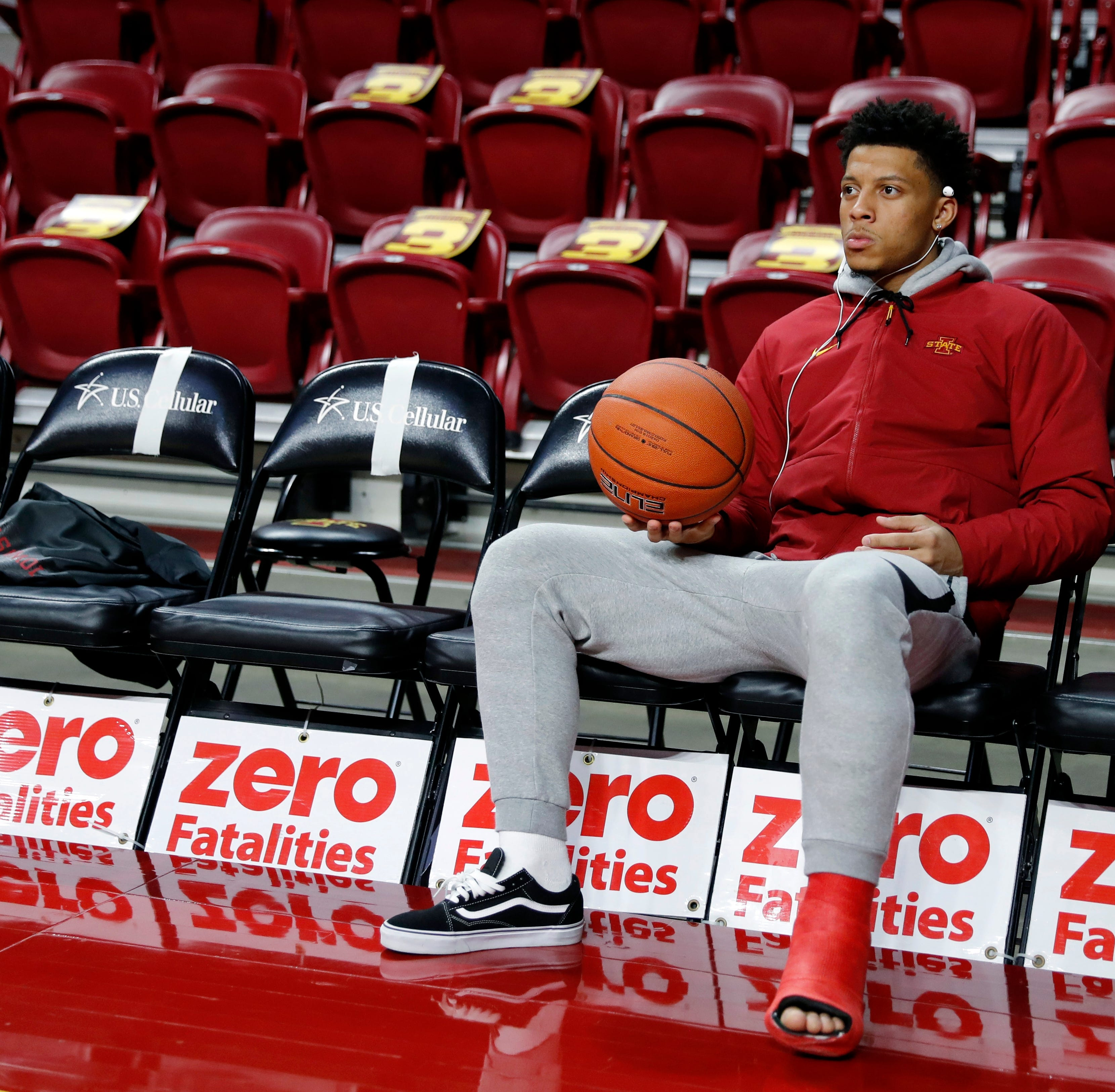 Wigginton looks on as Iowa State advances to 3-0 after beating Texas Southern