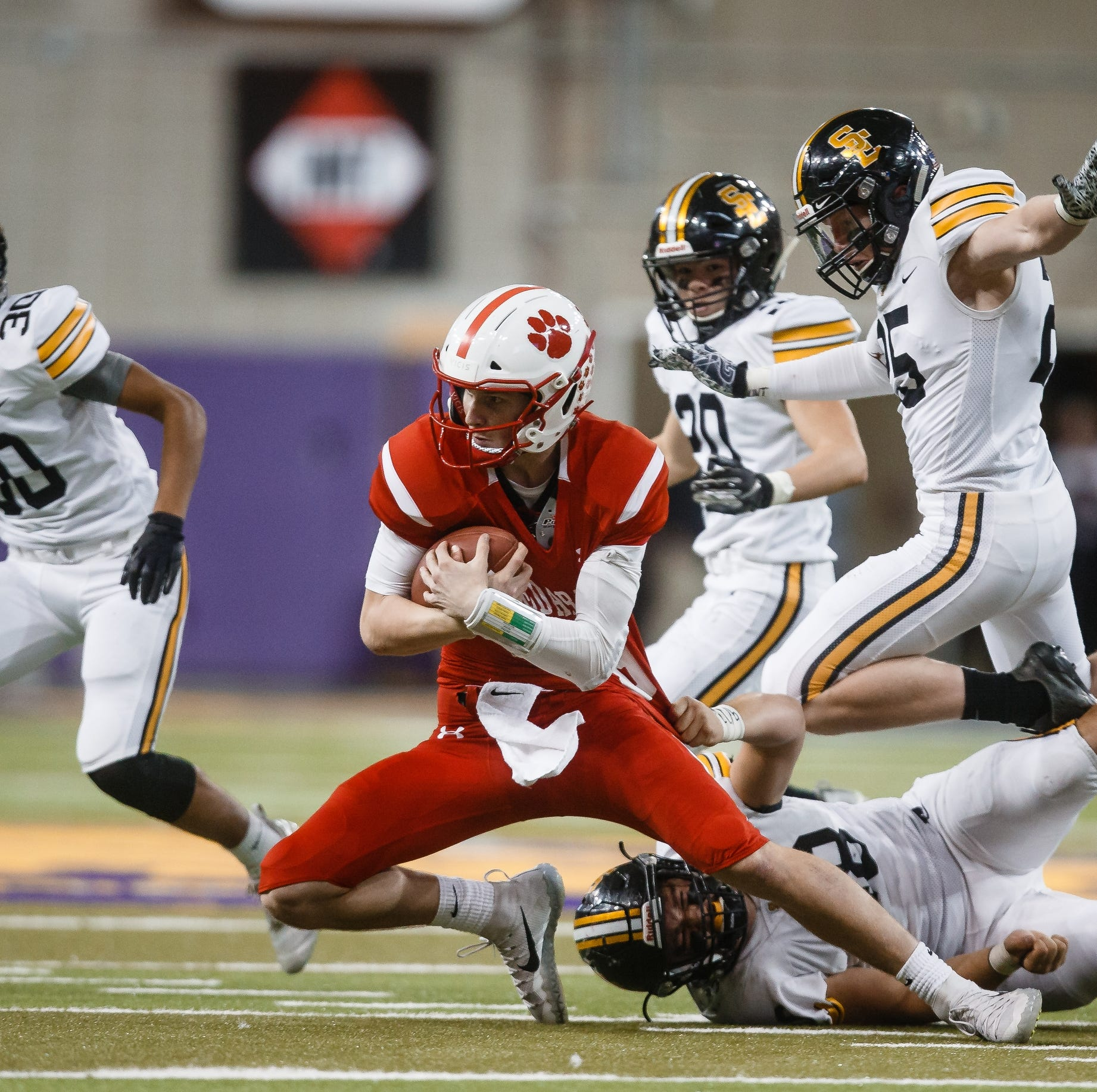 Iowa state football semifinals: Southeast Polk's playoff magic runs out against Cedar Falls