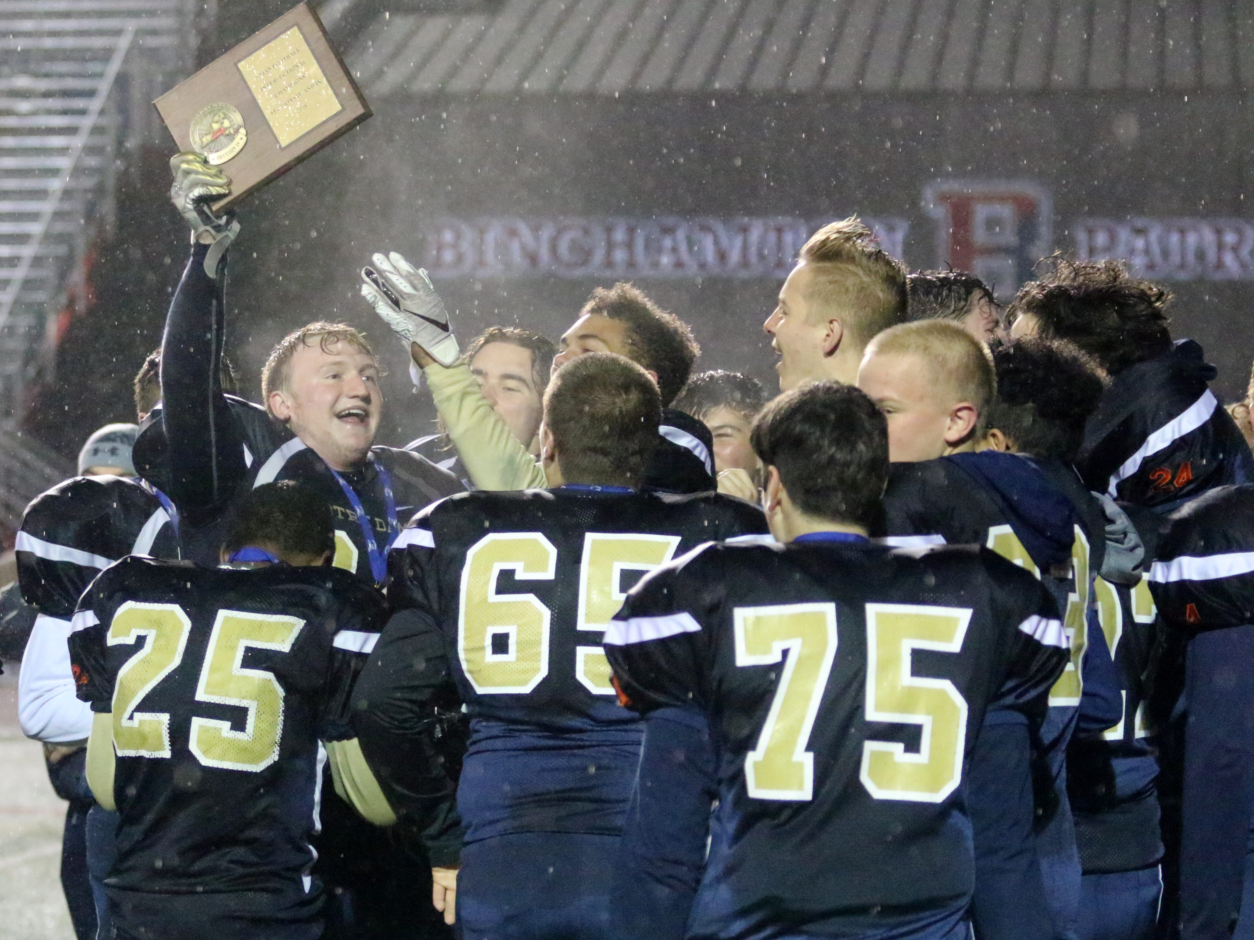 Notre Dame caps eight-man football season with intersectional title