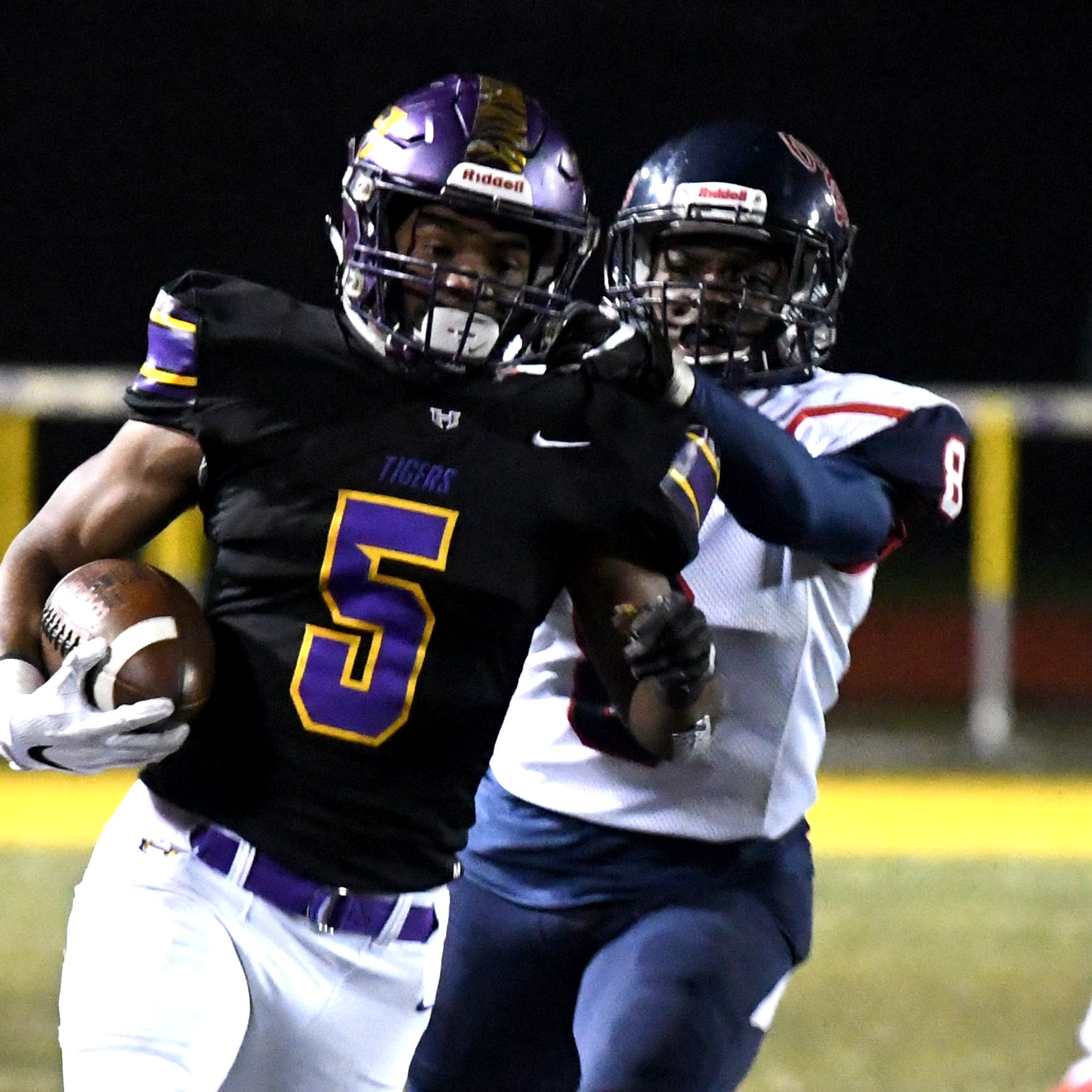Hattiesburg dominates Brookhaven 52-6 to begin 5A championship campaign