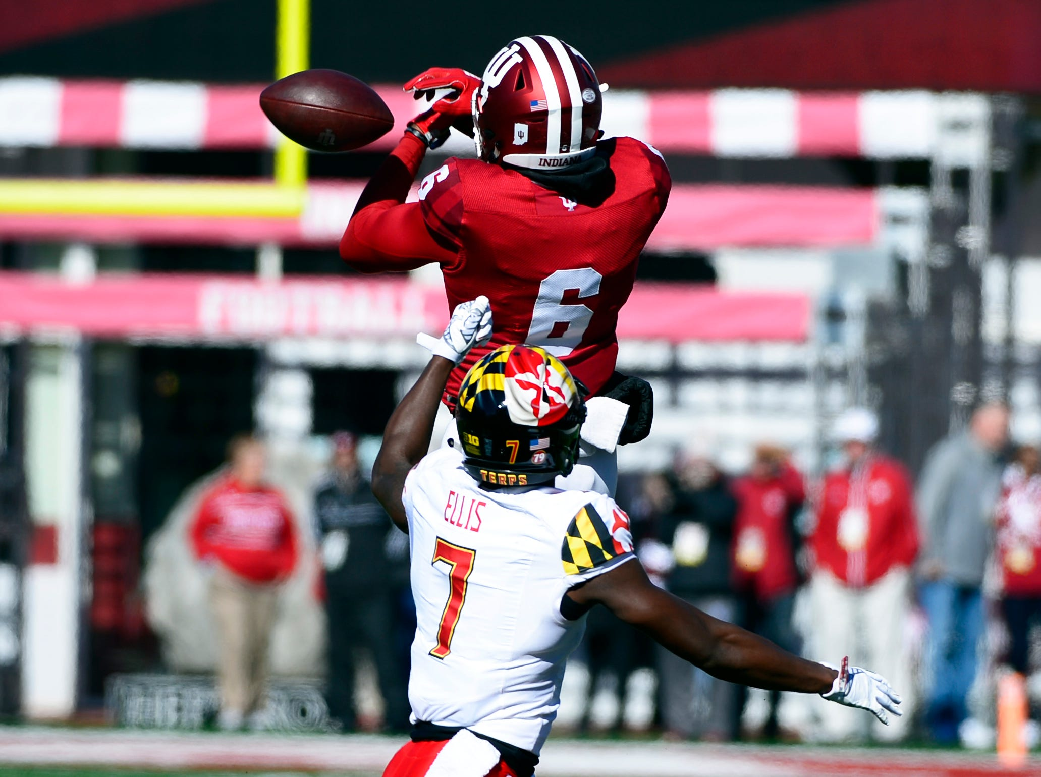 Indiana Hoosiers wide receiver Donovan Hale (6) drops a pass during the game against Maryland at Memorial Stadium in Bloomington, Ind., on Satuday, Nov. 10, 2018.