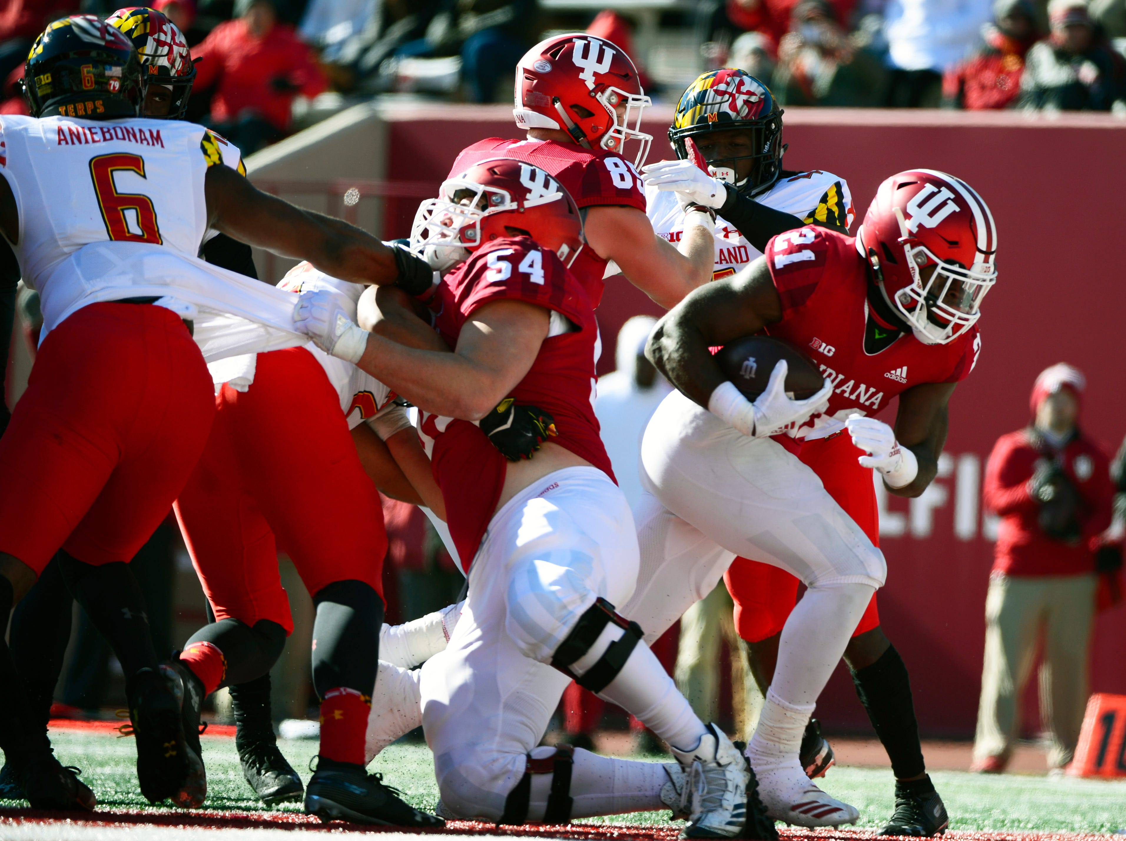 Indiana Hoosiers running back Stevie Scott (21) scores a touchdown during the game against Maryland at Memorial Stadium in Bloomington, Ind., on Satuday, Nov. 10, 2018.