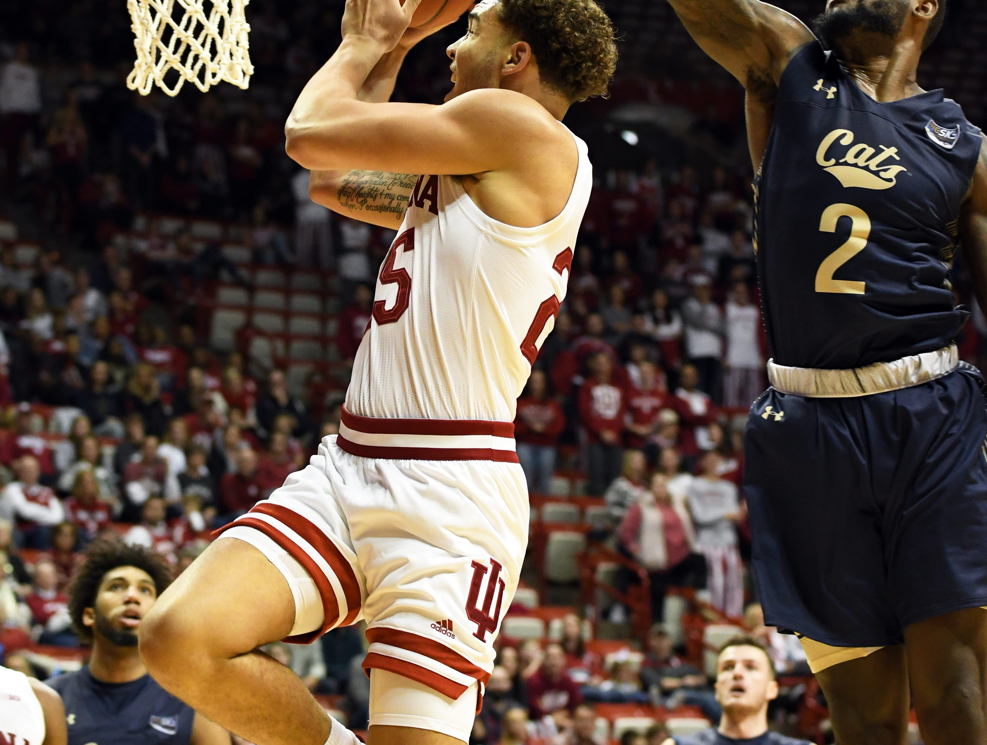 Indiana Hoosiers forward Race Thompson (25) goes to the basket during the game against Montana State at Simon Skjodt Assembly Hall in Bloomington, Ind., on Friday, Nov. 9, 2018.