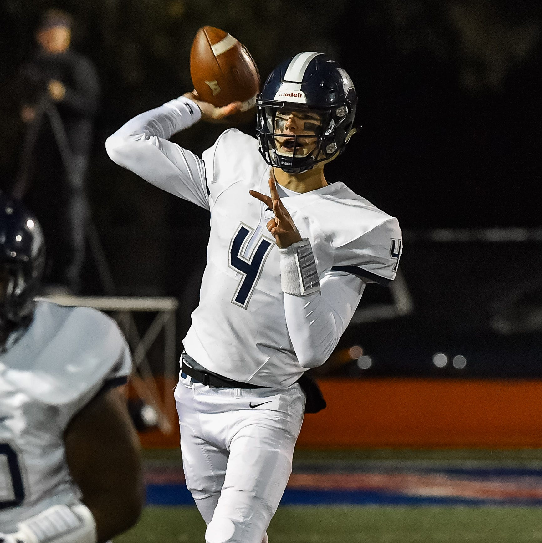 Jackson Academy quarterback announces commitment to Ole Miss