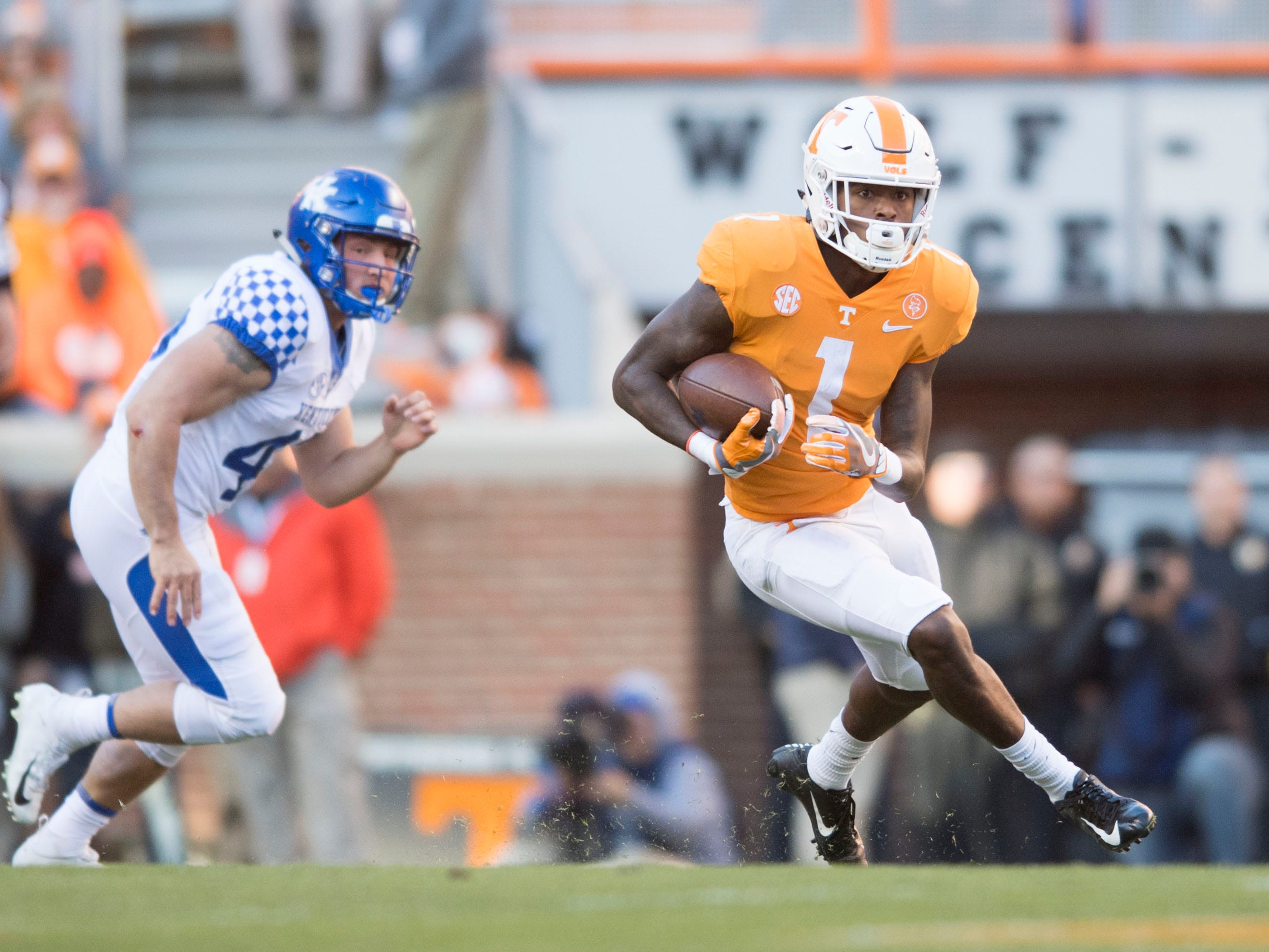 Tennessee wide receiver Marquez Callaway (1) on the kick-off return during a game between Tennessee and Kentucky at Neyland Stadium in Knoxville, Tennessee on Saturday, November 10, 2018.