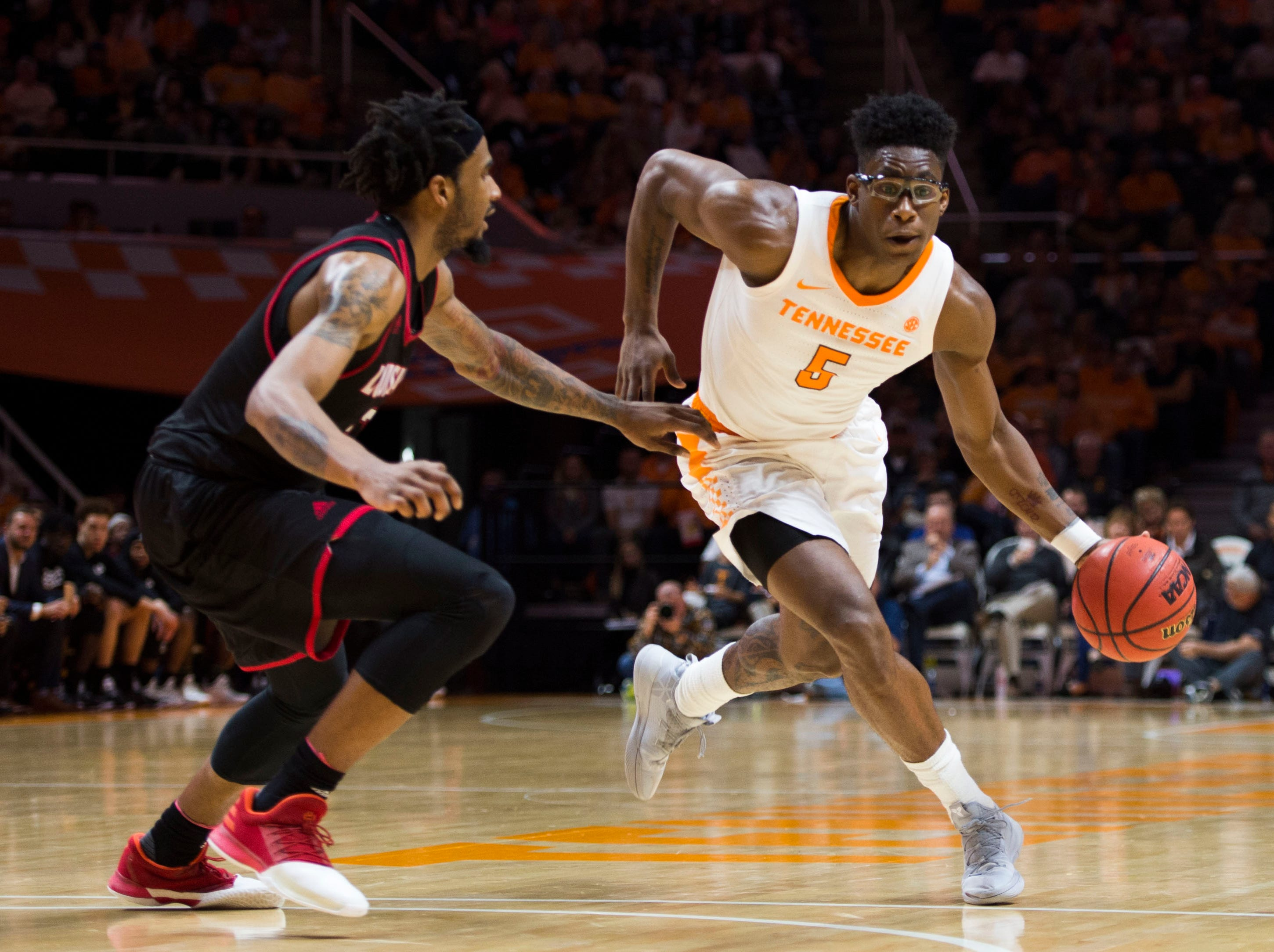 Tennessee's Admiral Schofield (5) charges towards the basket during a game between Tennessee and Louisiana in Thompson-Boling Arena Friday, Nov. 9, 2018. Tennessee defeated Louisiana 87-65.