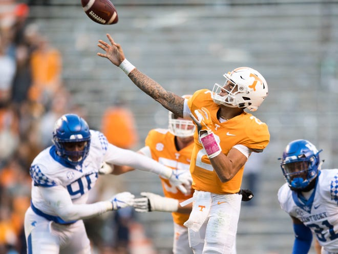 Tennessee quarterback Jarrett Guarantano (2) on a throw during a game between Tennessee and Kentucky at Neyland Stadium in Knoxville, Tennessee on Saturday, November 10, 2018.