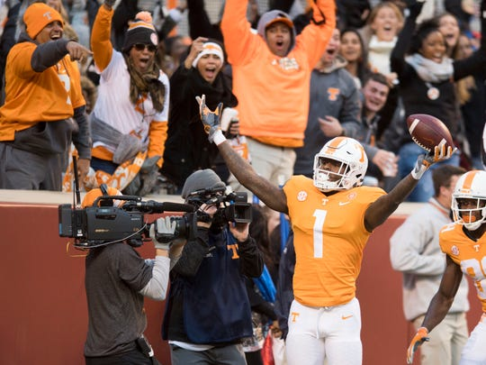Tennessee wide receiver Marquez Callaway (1) celebrates after making a touchdown during a game between Tennessee and Kentucky at Neyland Stadium in Knoxville, Tennessee on Saturday, November 10, 2018.