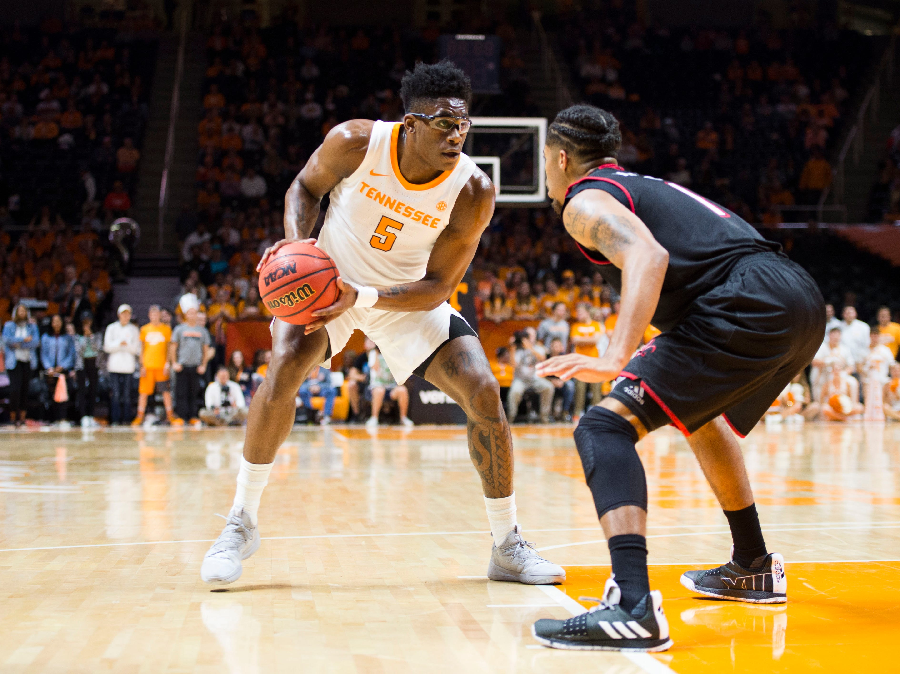 Tennessee's Admiral Schofield (5) charges the basket during a game between Tennessee and Louisiana in Thompson-Boling Arena Friday, Nov. 9, 2018.