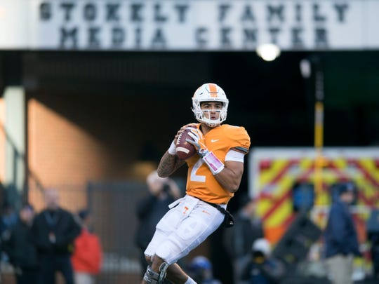 Tennessee quarterback Jarrett Guarantano (2) looks for an open receiver during a game between Tennessee and Kentucky at Neyland Stadium in Knoxville, Tennessee on Saturday, November 10, 2018.