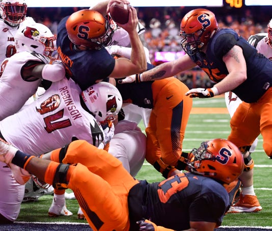 Ncaa Football Louisville At Syracuse