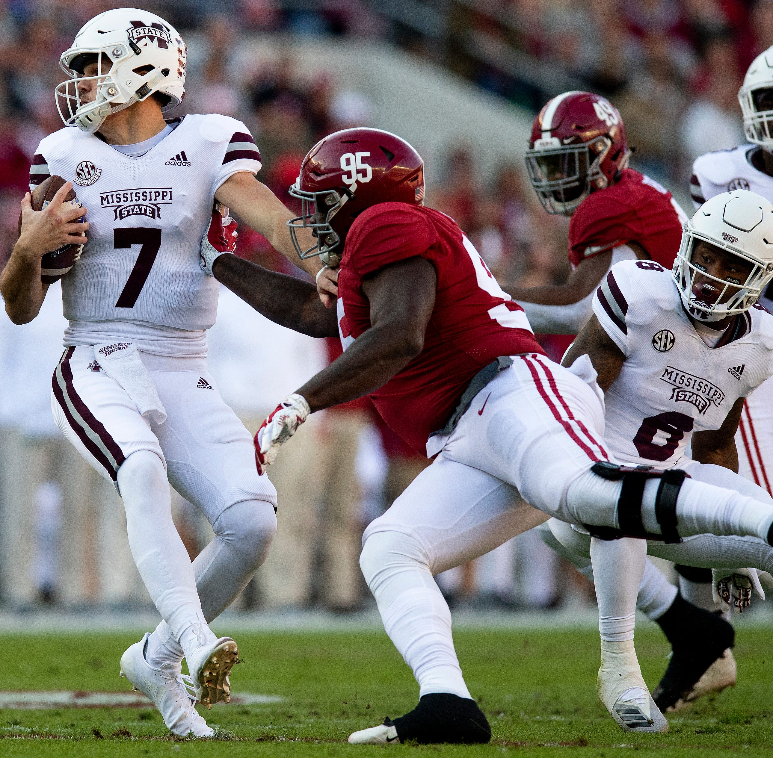 Sweet home (field advantage) Alabama: Crimson Tide questionably cruises by Mississippi State
