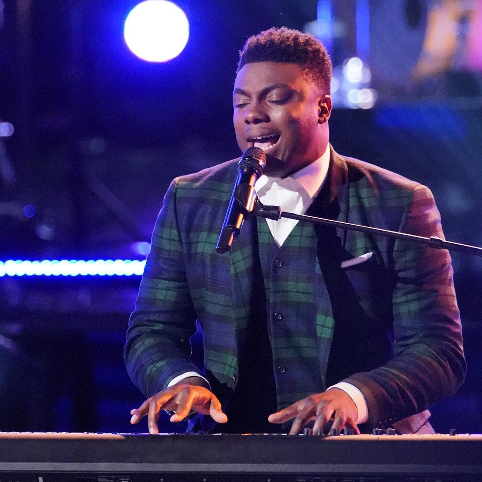 No more secrets: Montgomery's Kirk Jay focused on 'The Voice' live performances Monday