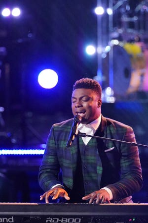 """Montgomery resident Kirk Jay performs """"In Case You Didn't Know"""" during the knockout round on """"The Voice."""""""