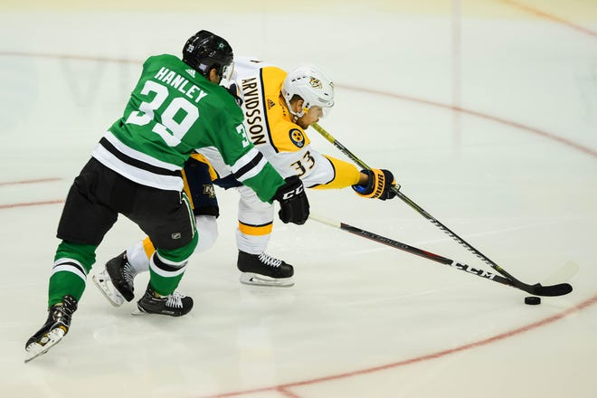 Predators right wing Viktor Arvidsson left Saturday's game against the Stars after crashing into the boards.