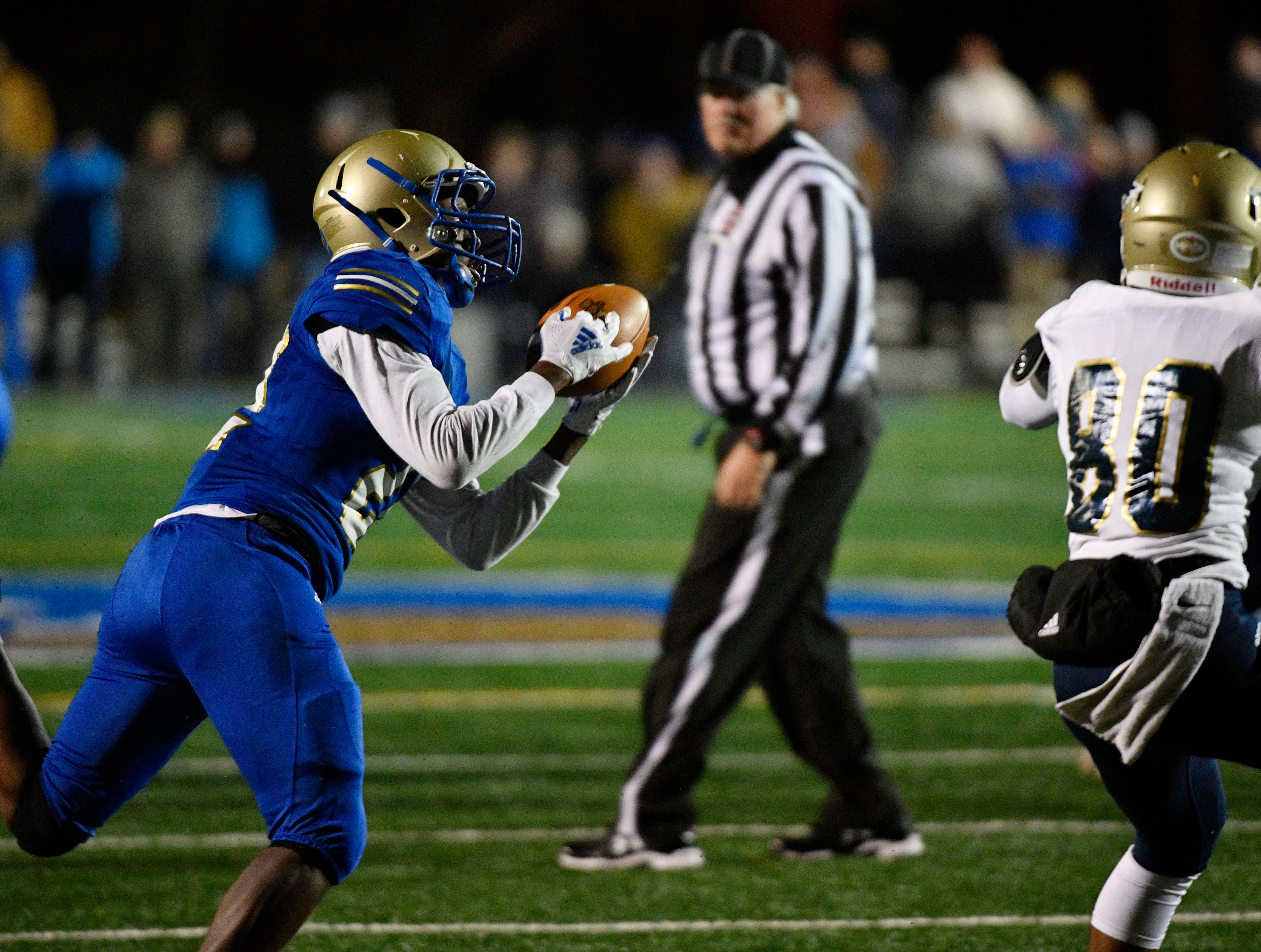 Xiere Howard intercepts a pass intended for Chayce Bishop as Independence plays at Brentwood during the Class 6A second round game Friday Nov. 9, 2018, in Brentwood, Tenn.
