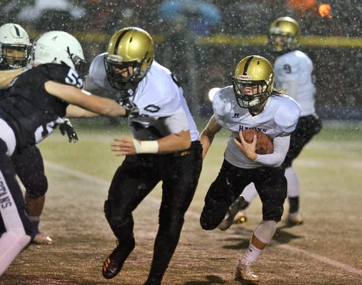 Football Paramus Hosts River Dell In A North 1 Group 3 Sectional Football Semifinal