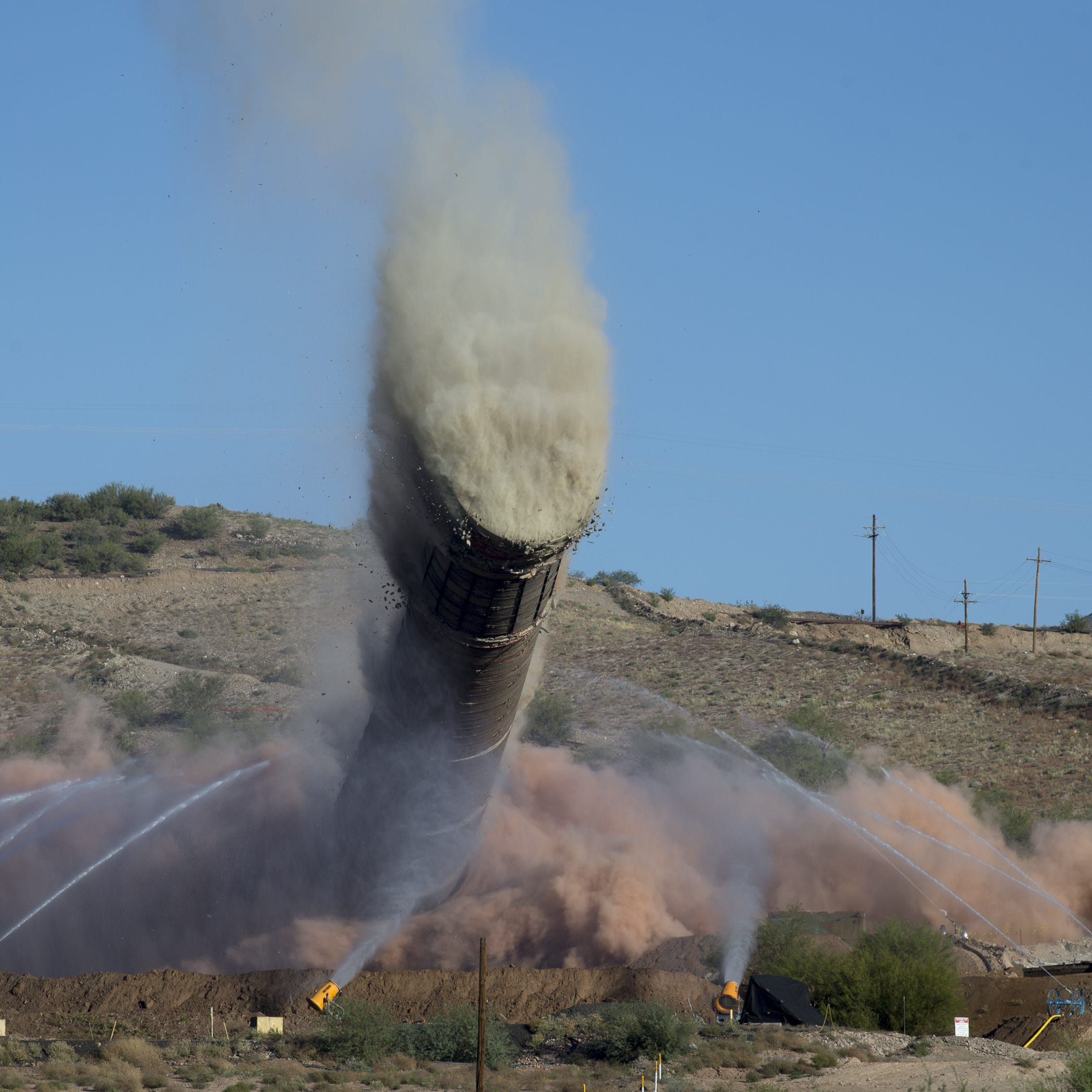 Cheers, tears as historic smelter from Magma Mine demolished in Superior