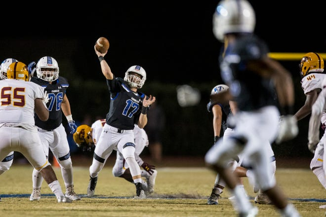 Chandler's Jacob Conover throws against Mountain Pointe in the first half on Friday, Nov. 9, 2018, at Chandler High School in Chandler, Ariz.#azhsfb