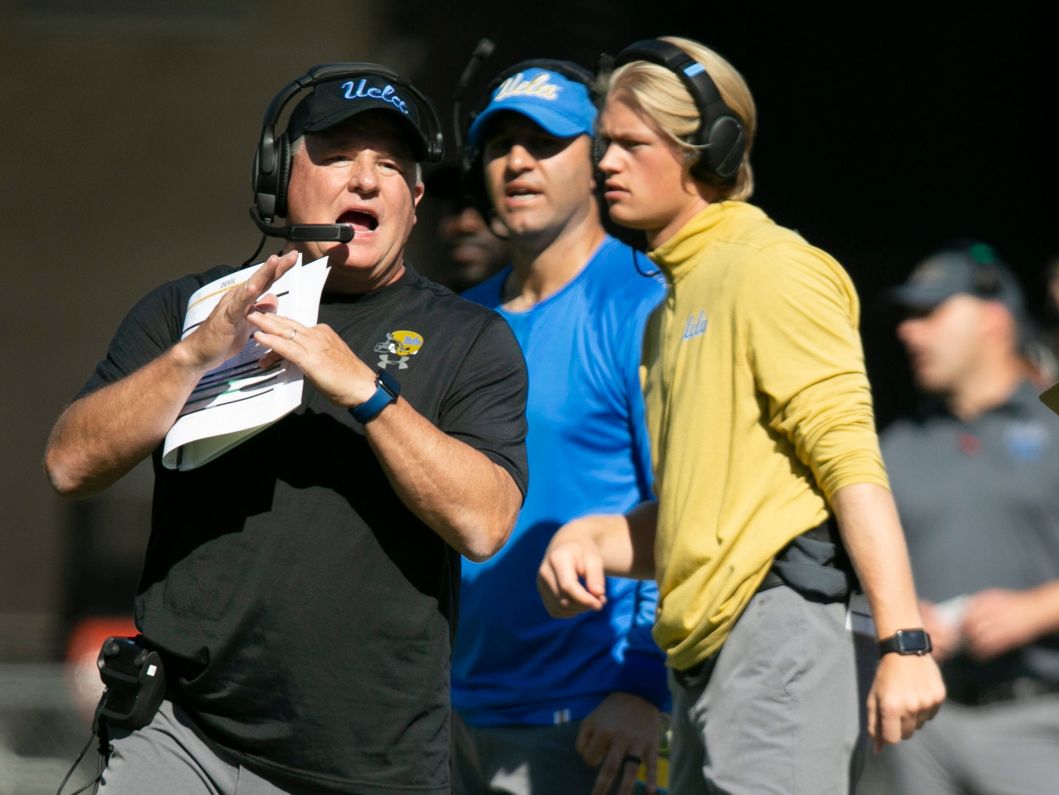 UCLA head coach Chip Kelly calls the timeout during the first quarter of the PAC-12 college football against Arizona State at Sun Devil Stadium in Tempe on Saturday, November 10, 2018.