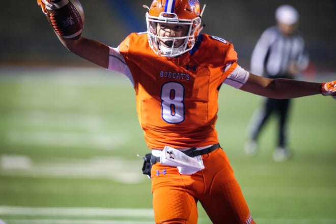 Central's Malachi Brown scores a touchdown against Fort Worth Haltom on Friday, Nov. 9, 2018, at San Angelo Stadium.