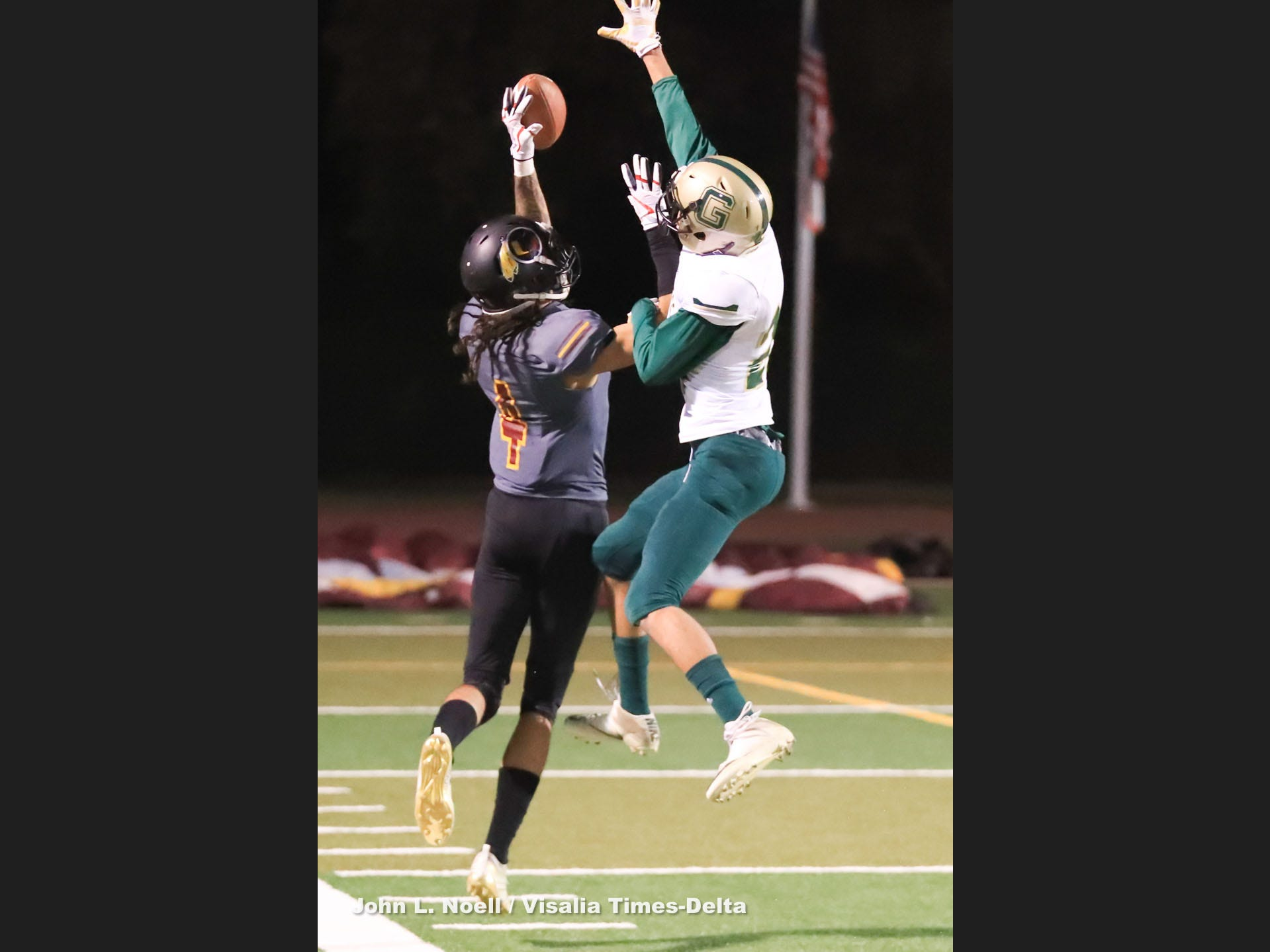 Tulare Union hosts Garces Memorial in a Central Section Division II quarterfinal high school football game at Bob Mathias Stadium on Nov 9th, 2018.