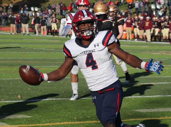 Stepinac beat Iona Prep 37-26 in CHSFL 'AAA' semifinal at Iona Prep Nov. 10, 2018.