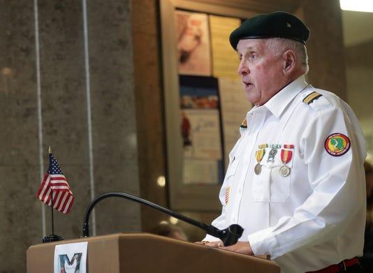 Apc Stephen Lang Veterans 6895 100818 Wag