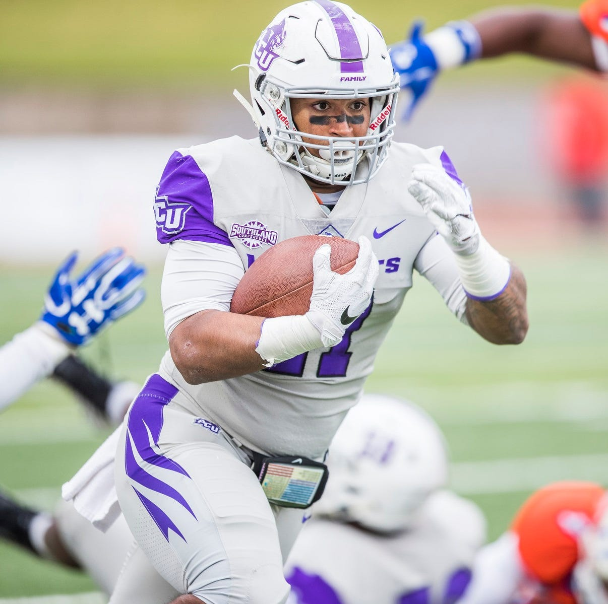 Abilene Christian knocks off Sam Houston State, keeps playoff hopes alive