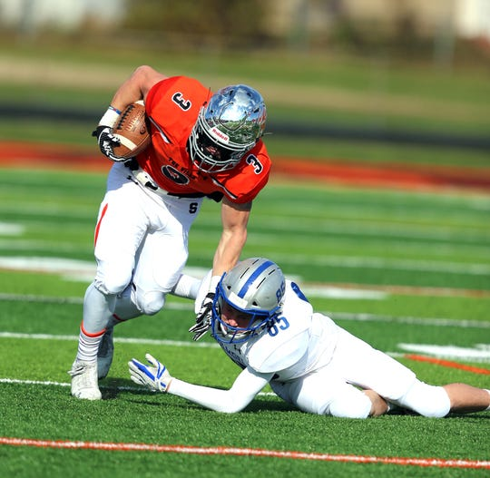 Somerville's Robert Fiorentino (3) and Holmdel's John Tomasulo during the first half of a Central Gorup III semifinal on Saturday, Nov. 10, 2018.