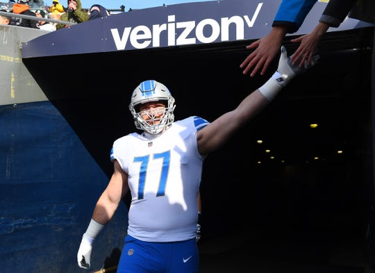 Lions offensive guard Frank Ragnow takes the field before the game on Sunday, Nov. 11, 2018, in Chicago.