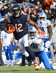 Bears wide receiver Allen Robinson makes a catch against Lions defensive back DeShawn Shead during the first quarter on Sunday, Nov. 11, 2018, in Chicago.
