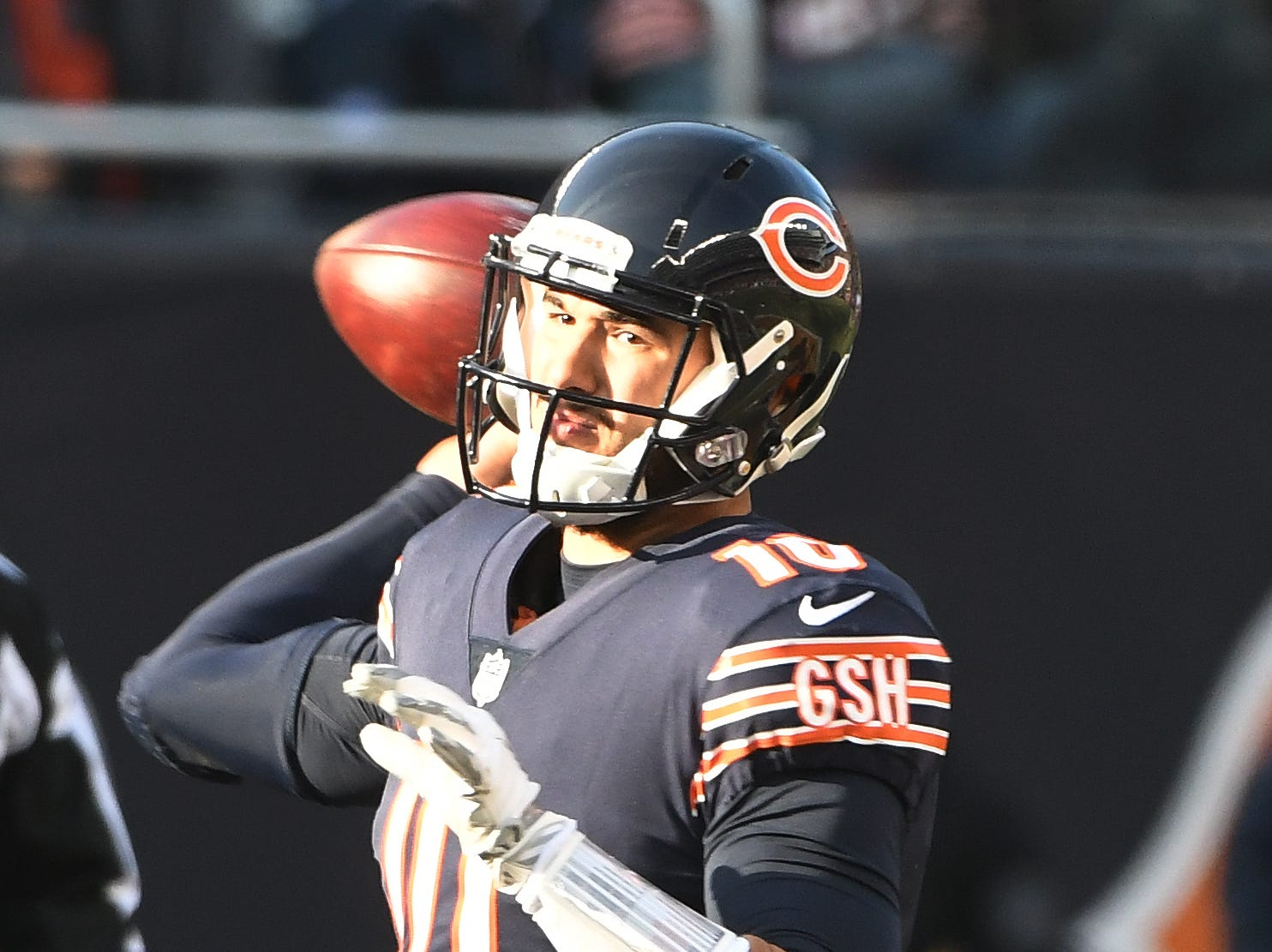 Bears quarterback Mitchell Trubisky throws in the third quarter.
