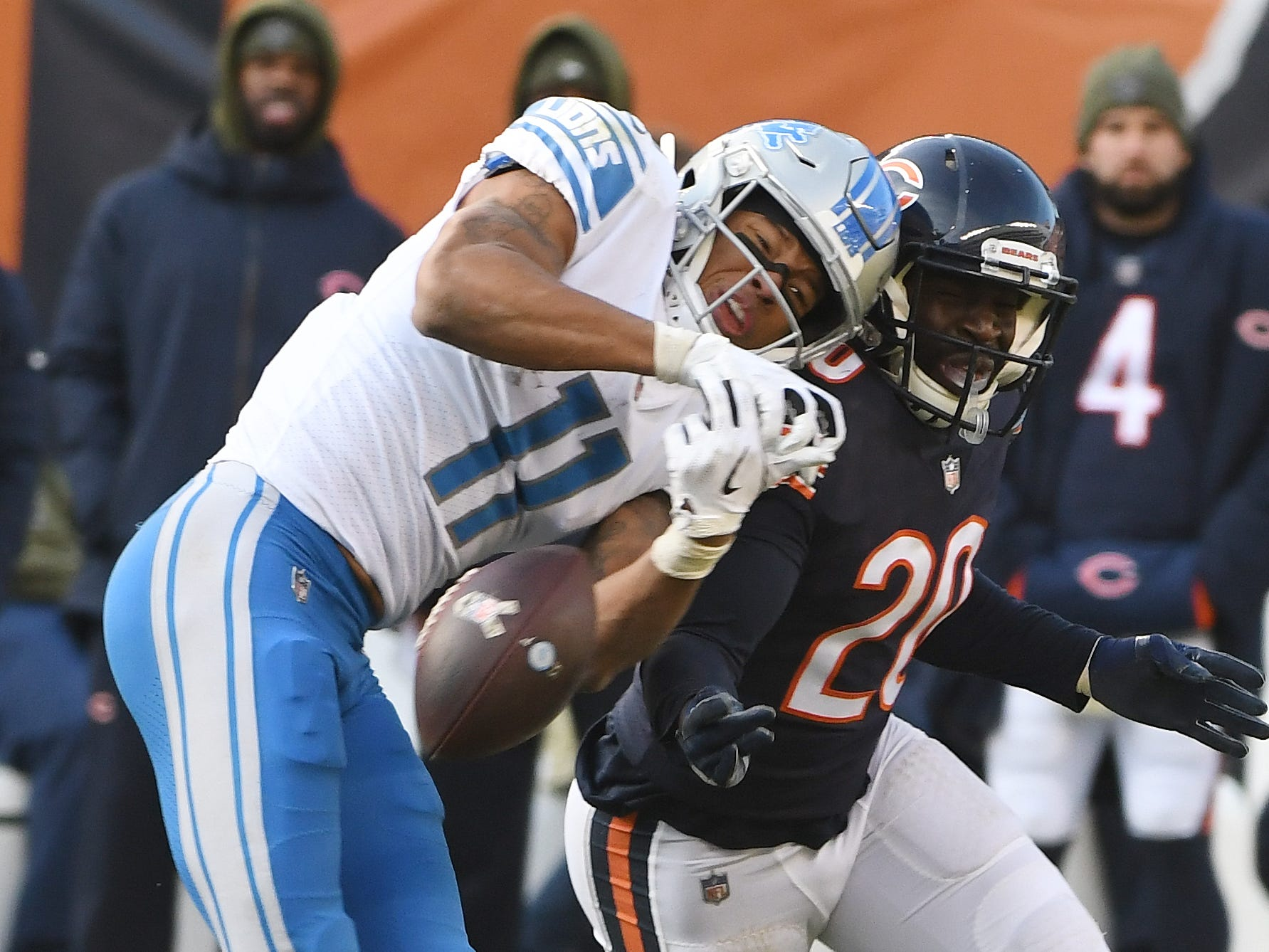 Lions wide receiver Marvin Jones Jr. can't pull in a reception with Bears' Prince Amukamara defending in the third quarter.