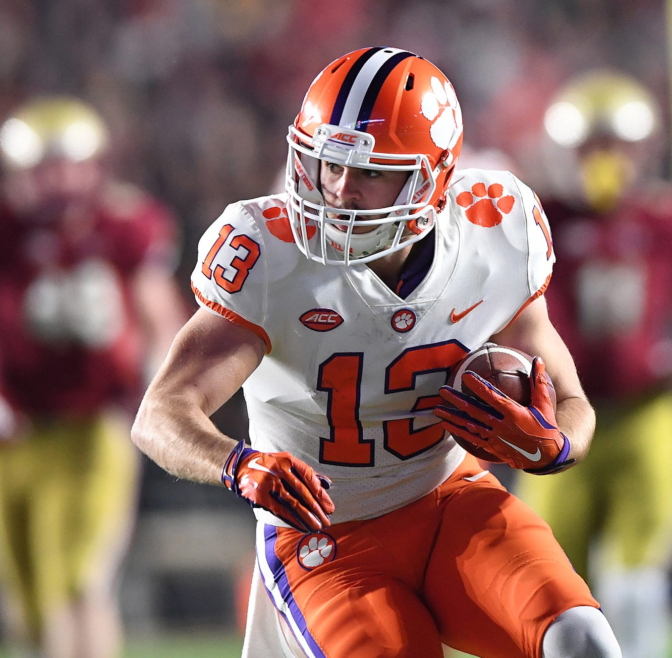 Clemson wide receiver Hunter Renfrow leaves game early with injury