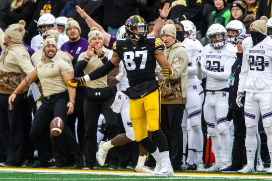 Iowa tight end Noah Fant (87) reacts after an incomplete pass during a Big Ten Conference football game on Saturday, Nov. 10, 2018, at Kinnick Stadium in Iowa City.