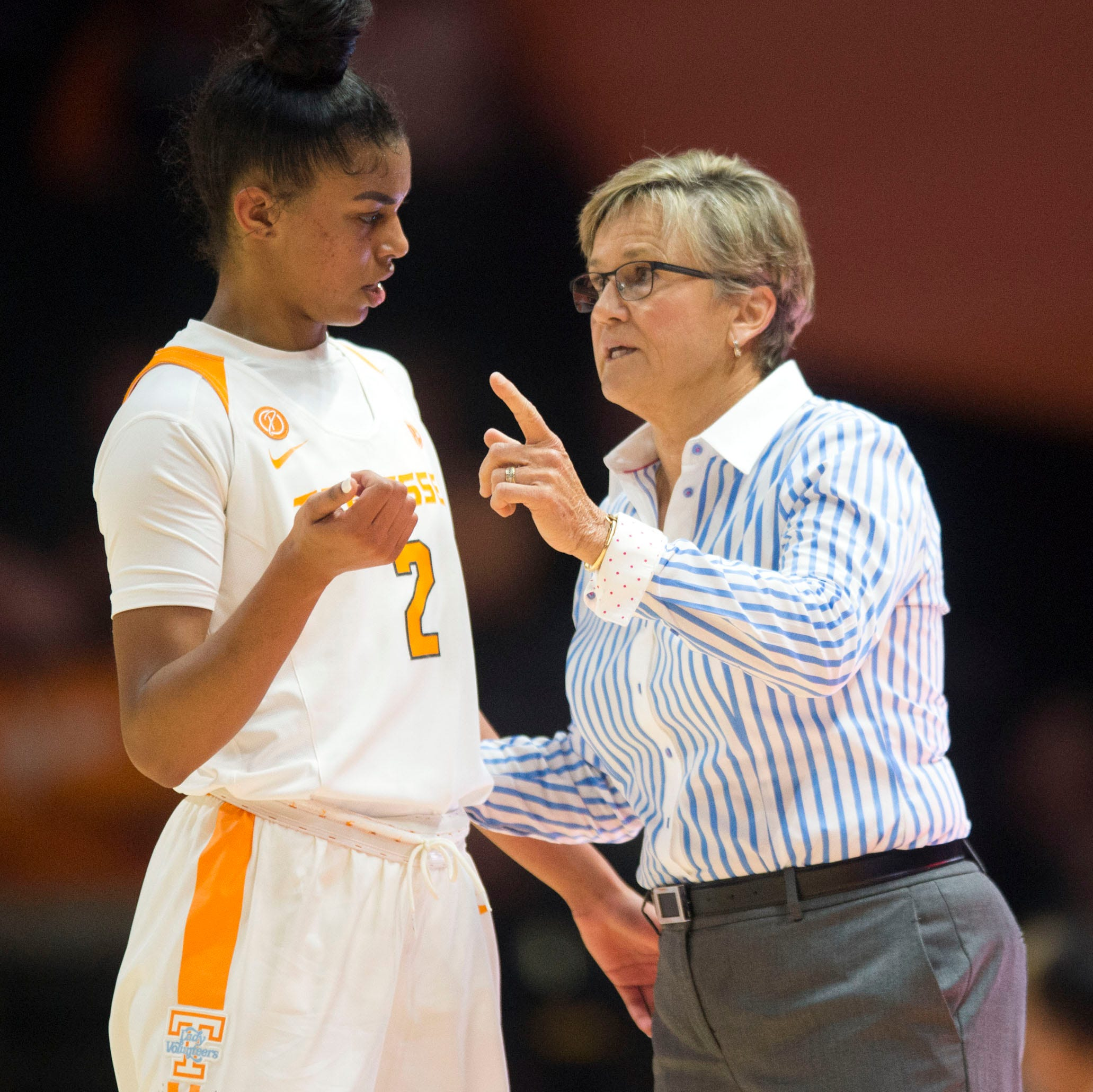Rebecca Lobo finds Lady Vols player's comments on Holly Warlick to be out of bounds
