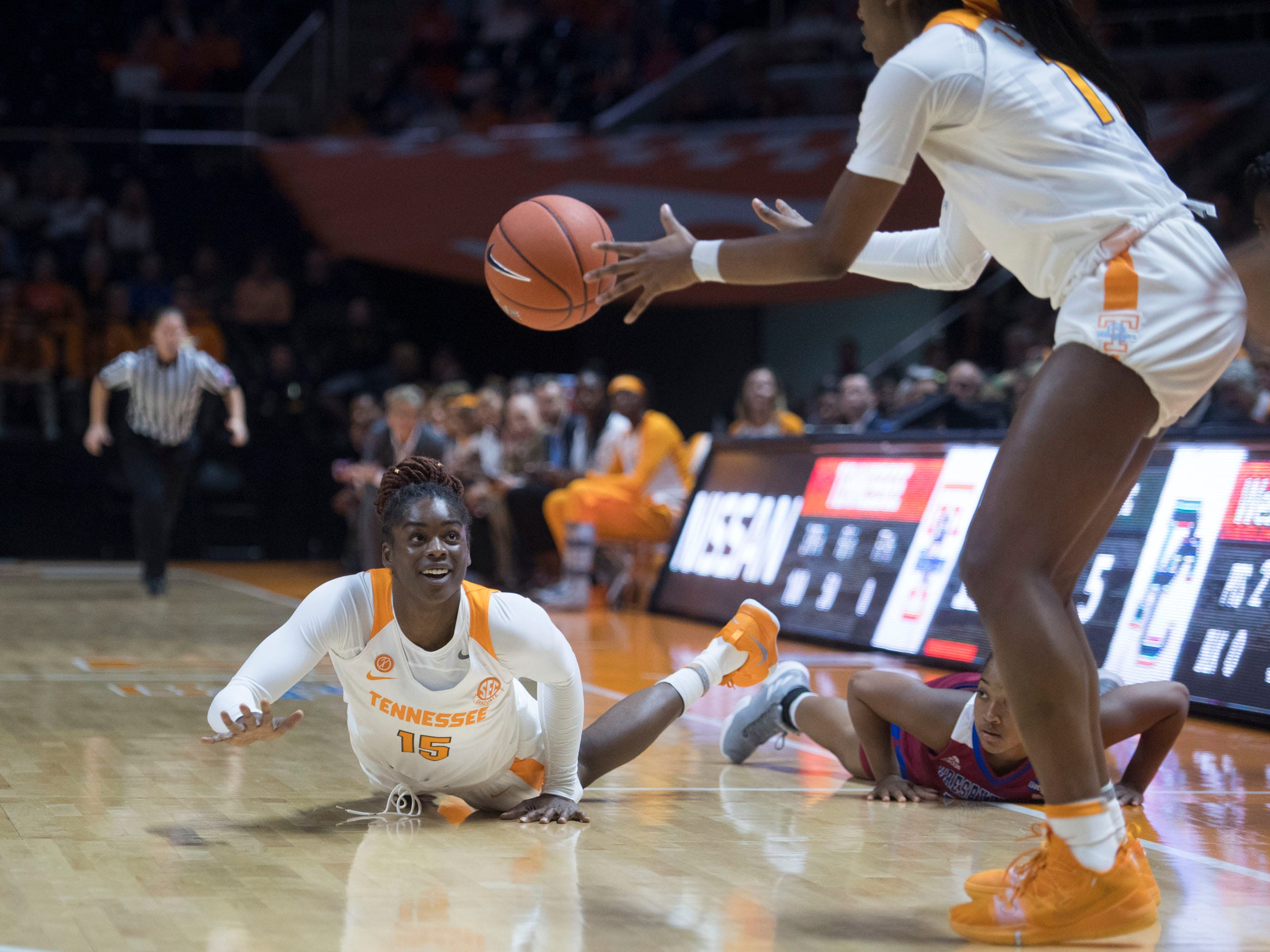 Tennessee's Cheridene Green (15) passes the ball to Zaay Green (14) during the game against Presbyterian on Sunday, November 11, 2018.