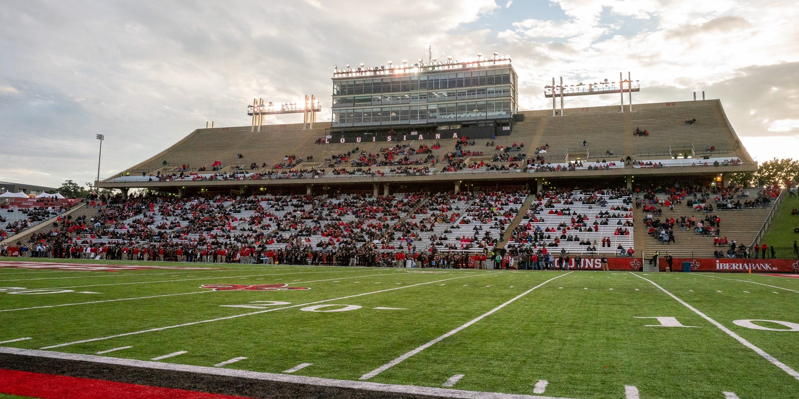 Louisiana Football Reopening America Ul To Prepare For Cajuns Fans