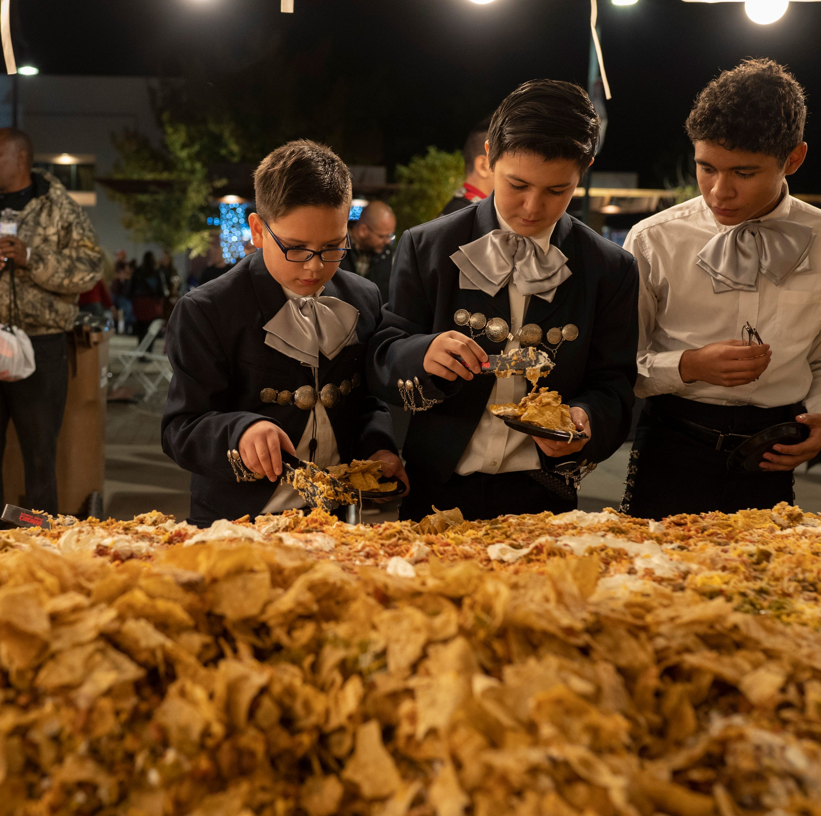 Las Cruces unofficially breaks record for world's largest serving of nachos