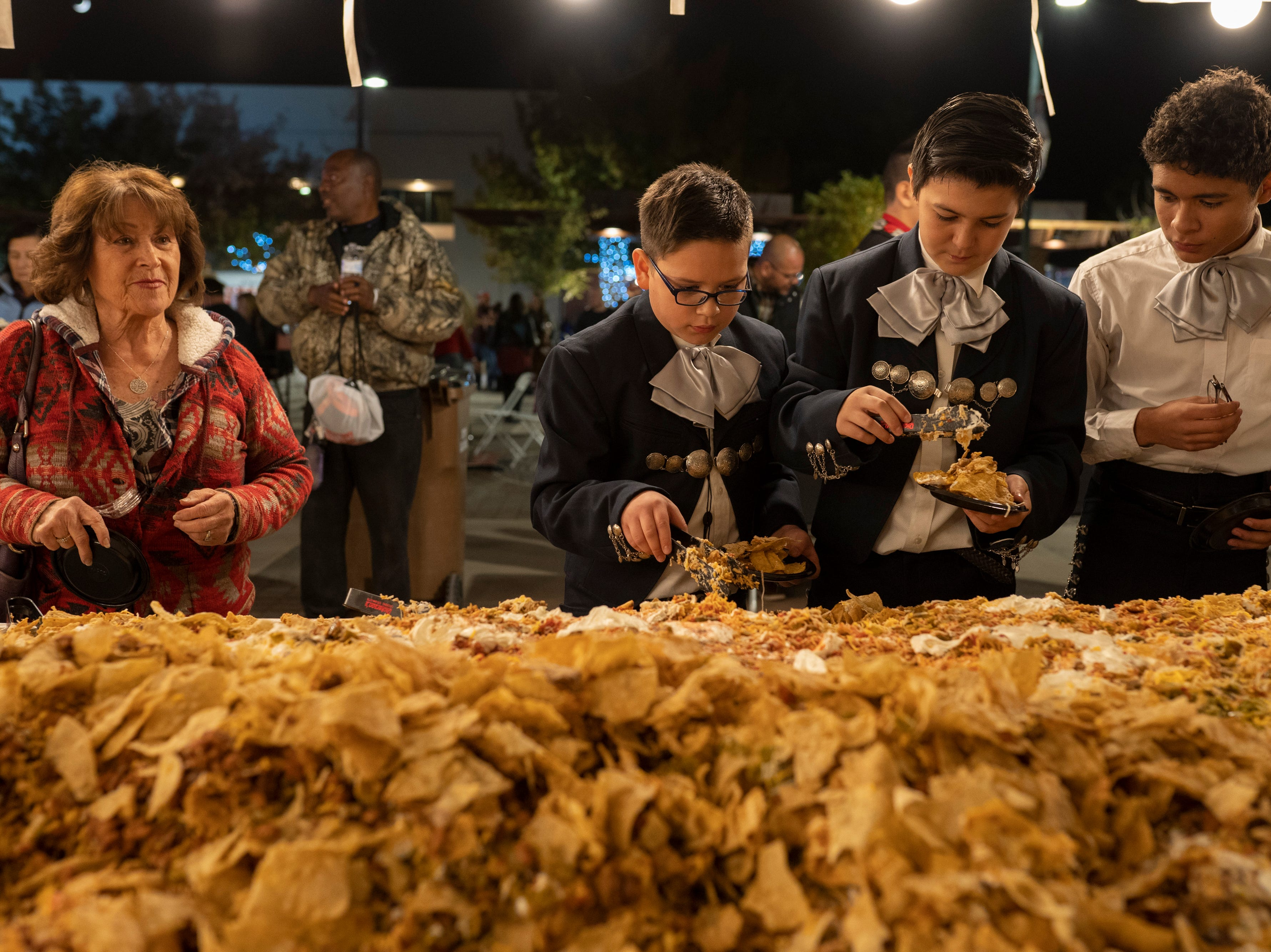 Las Cruces has world's largest serving of nachos — 5,039 pounds, 110 feet long