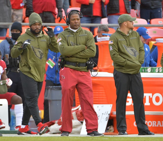 Cardinals coach Steve Wilks looks on from the sidelines during his team's 24-14 loss to the Chiefs on Nov. 11 at Arrowhead Stadium.