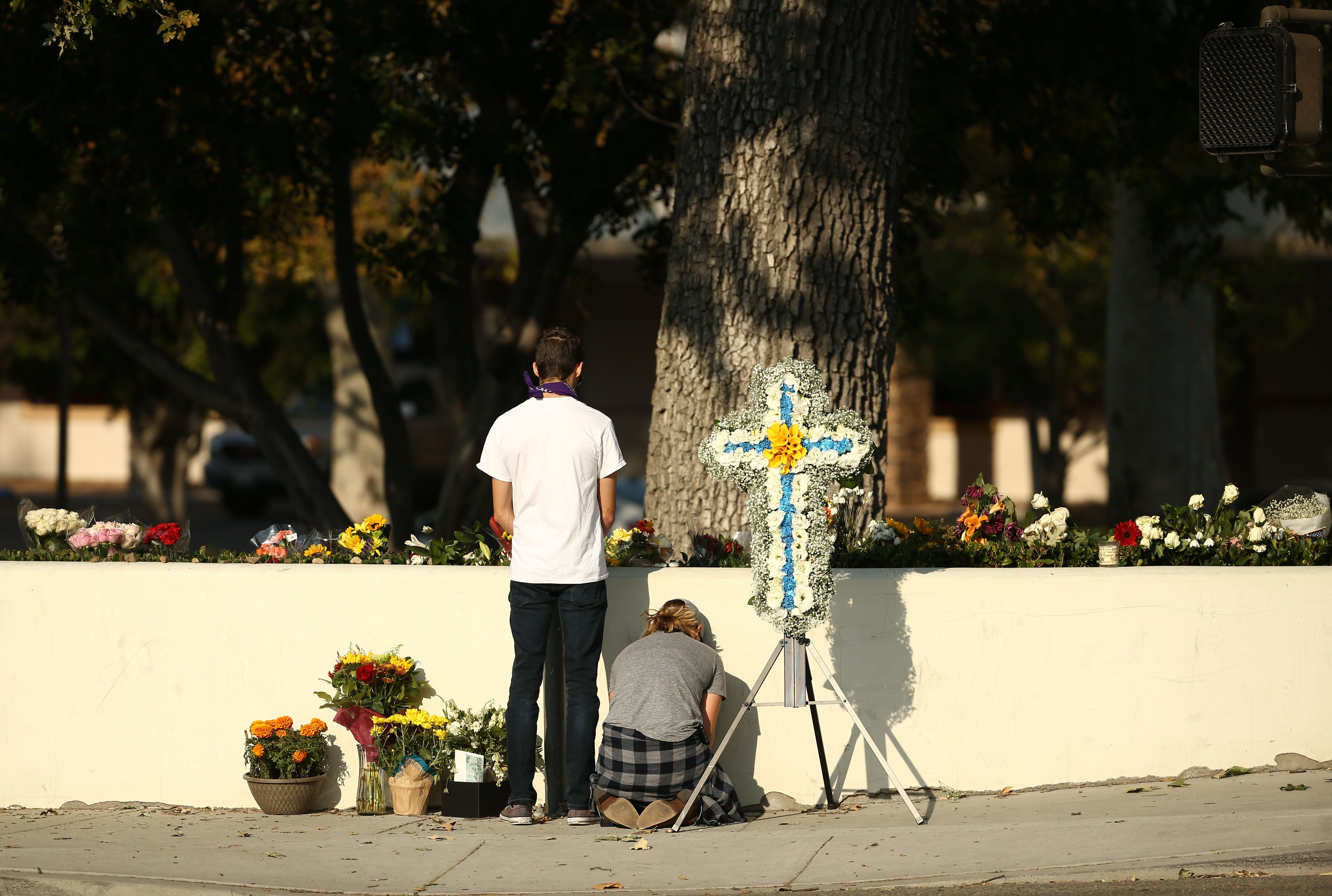 Survivors of California shooting, wildfires turn to faith to heal | AZ Central
