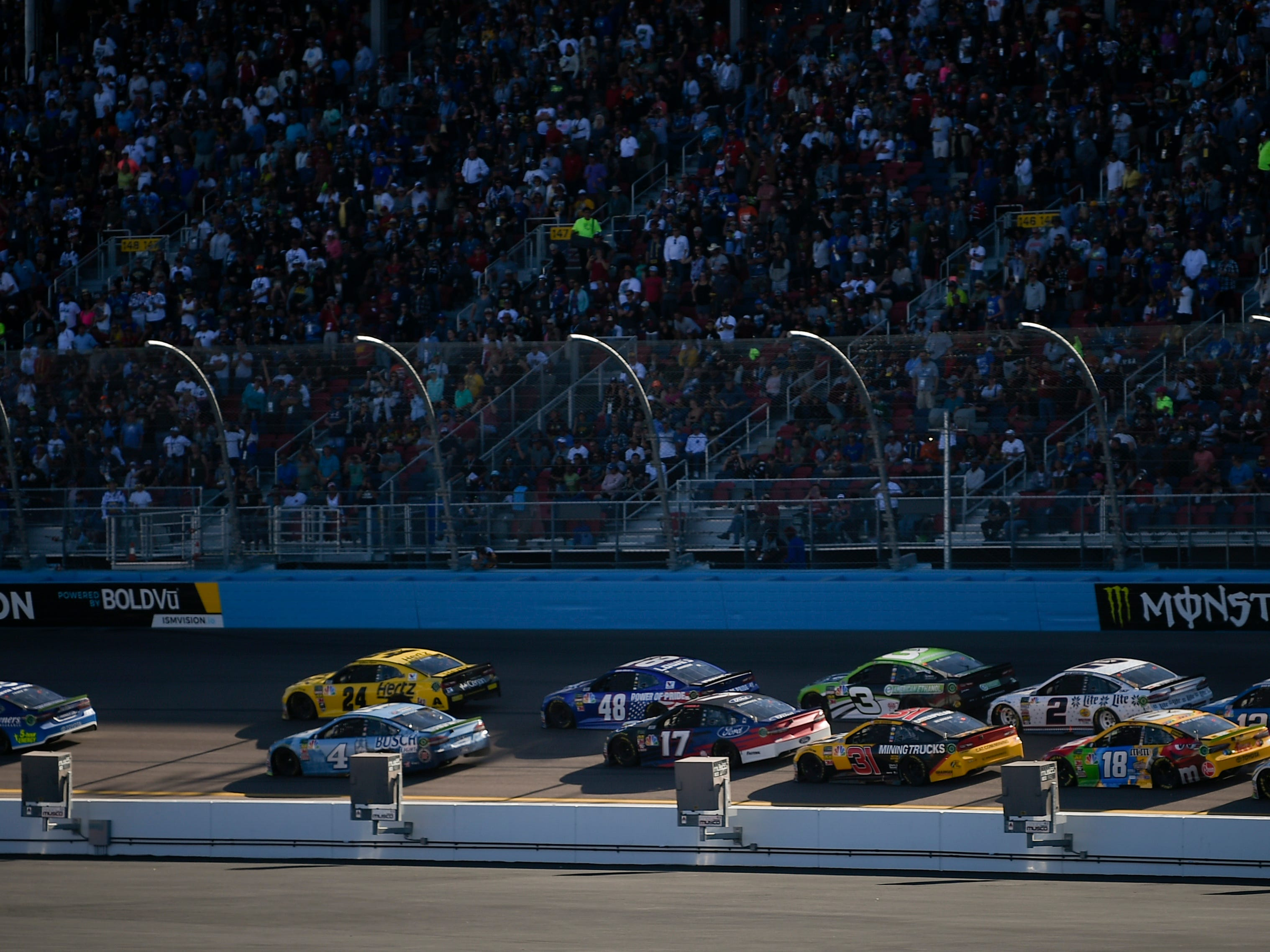 Nov 11, 2018; Avondale, AZ, USA; A general view on a restart during the Can-Am 500 at ISM Raceway. Mandatory Credit: Kelvin Kuo-USA TODAY Sports