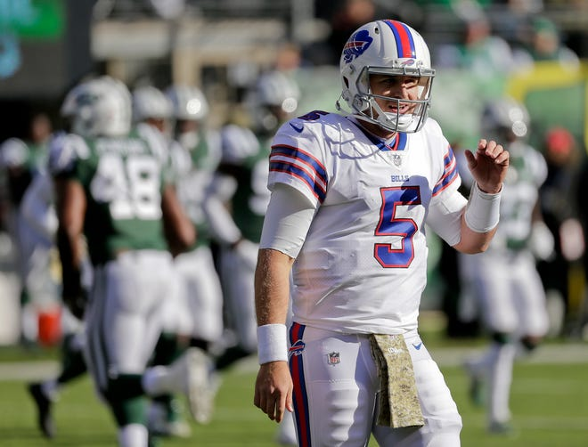 Buffalo Bills quarterback Matt Barkley (5) reacts during the second quarter of an NFL football game against the New York Jets, Sunday, Nov. 11, 2018, in East Rutherford, N.J. (AP Photo/Seth Wenig)