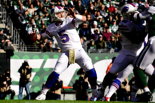 Matt Barkley of the Buffalo Bills throws a first down pass during the first quarter against the New York Jets at MetLife Stadium.
