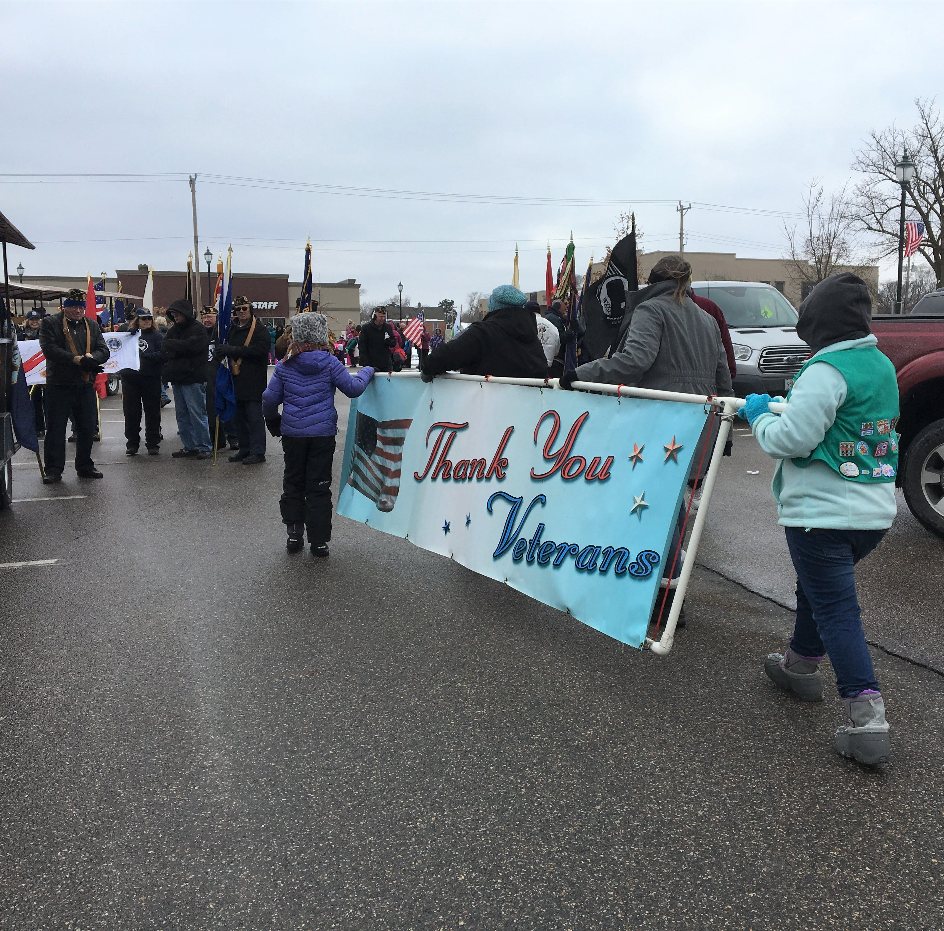 'I love this country': Cold doesn't stop St. Cloud residents from honoring veterans at parade