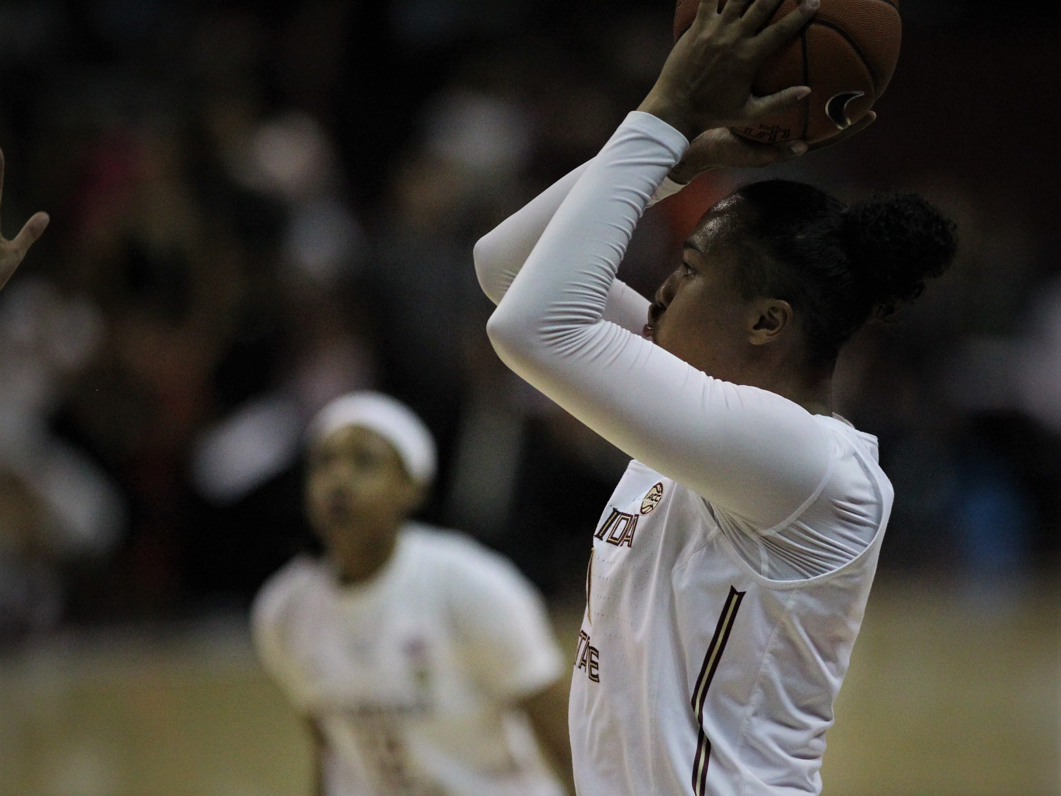 Florida State's Savannah Wilkinson shoots a jumper during the first half of the Seminoles' game against Florida at the Tucker Civic Center on Nov. 11, 2018.