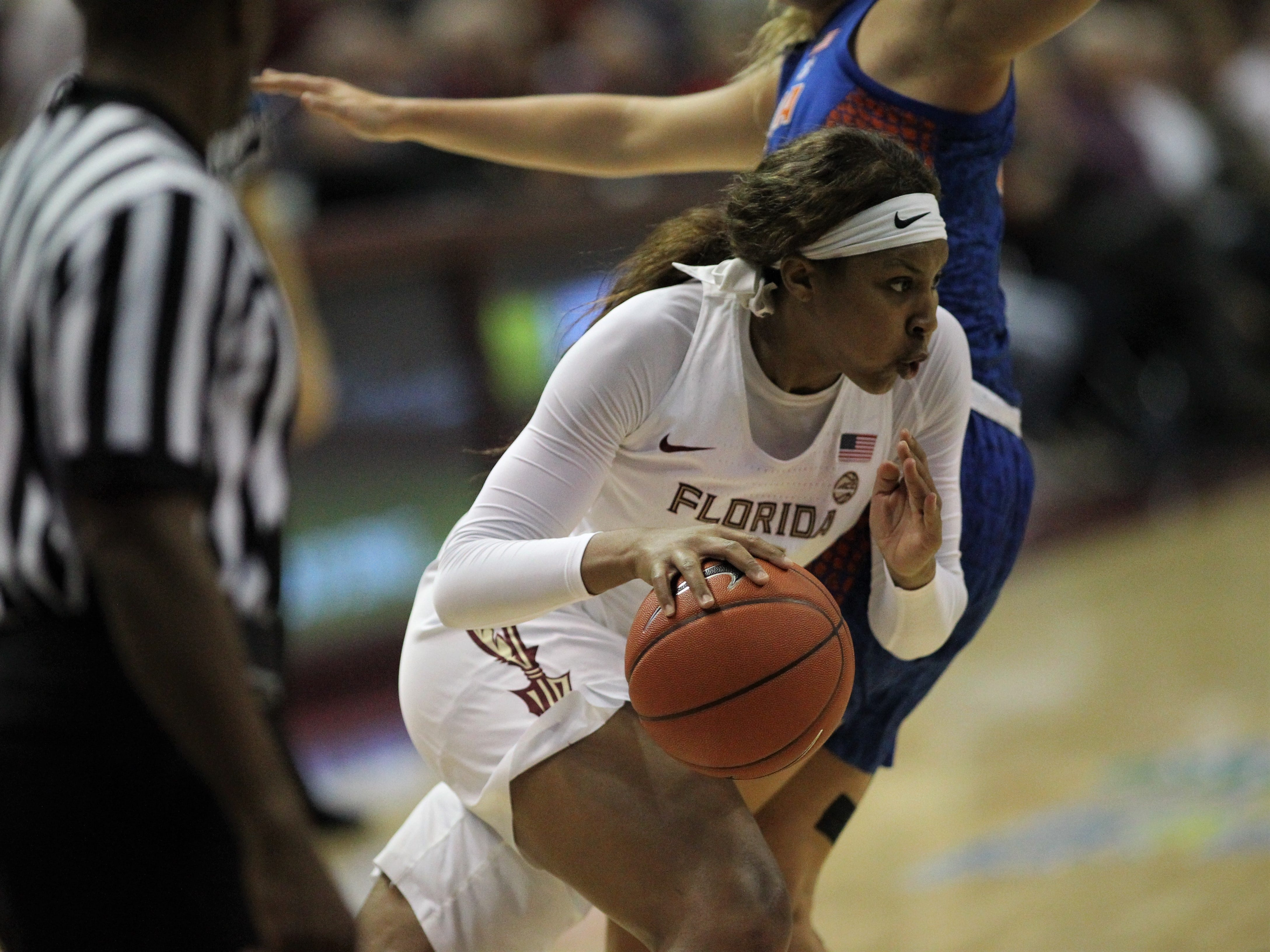 Florida State's Kiah Gillespie drives to the basket during the second half of the Seminoles' game against Florida at the Tucker Civic Center on Nov. 11, 2018.