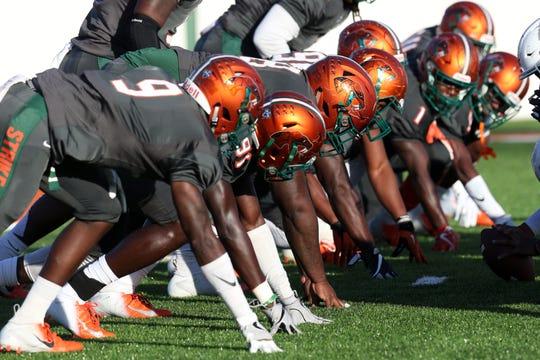 FAMU lines up in punt return formation against South Carolina State.